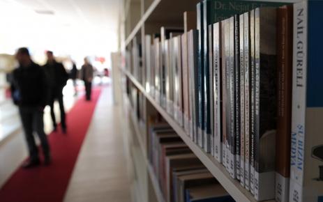 Belediyenin açtığı kütüphaneye 7 bin kitap bağışlandı