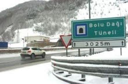 Bolu Dağı'nda kar yağışı ve sis etkili