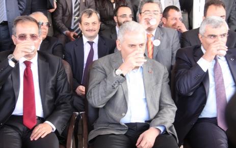 Burdur'da 'Süt içme rekor denemesi'nde yeterli sayıya ulaşılamadı