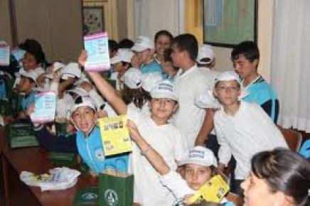 Cumhuriyet İlköğretim Okulu'ndan 50 bin kapak