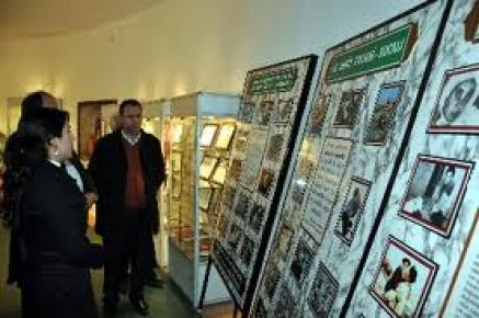 Ermeniler'in yaptığı katliamı fotoğraflarla anlatıyorlar