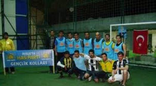 Mardin'de Öğrenciler halı saha turnuvasında stres attı