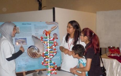 Antakya Özel Nureddin Zengi Lisesi öğrencilerinden Bilim Şenliği