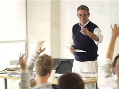 Rehber öğretmenlerin şimdi de dershanelerde işine son veriliyor.