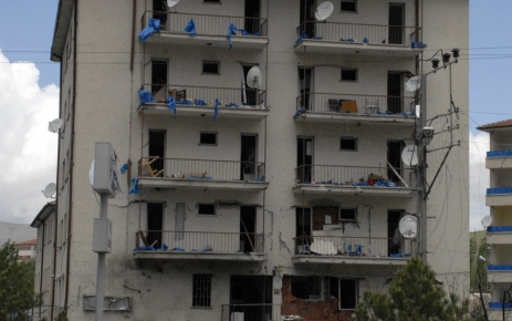 Teröristler, yakalanacaklarını anlayınca ilçe emniyete saldırdı