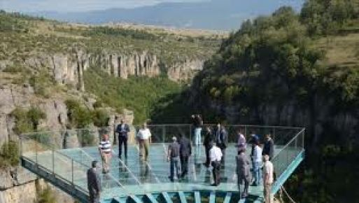 Tokatlı Kanyonu'na 100 metrekarelik cam teras yapıldı