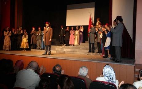 Türkçe Olimpiyatları için şiir yazdı