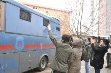 Üniversite öğrencilerine terör örgütü üyeliğinden 8 yıl hapis