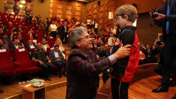 Tuzla'da Başarılı Öğrenciler Ödüllendirildi