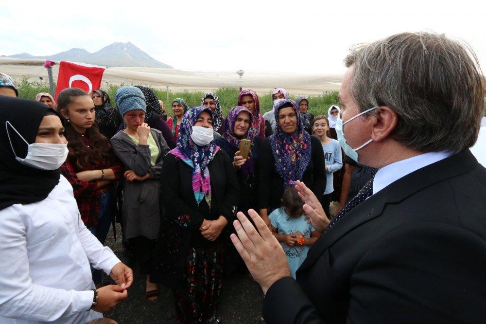 """Vali Hamza AYDOĞDU """"Seni biz okuturuz"""" dedi, Ayşenur gözyaşlarına boğuldu"""
