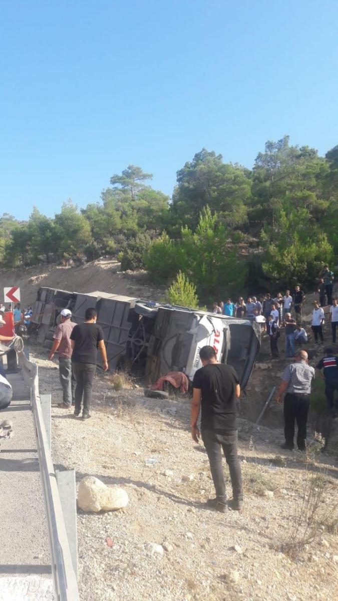 Mersin'de askerleri taşıyan otobüs devrildi! 4 şehit, 10 yaralı