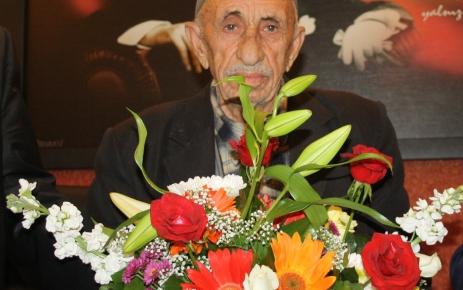 104 yaşındaki İbrahim Eren azmetti, inşaatta çalışıp SGK'dan emekli oldu