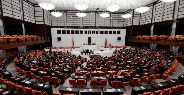 CHP'den atanamayan öğretmenler için kanun teklifi