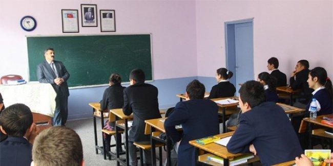 9. sınıflar için özel liselere nakil izni verilmiştir