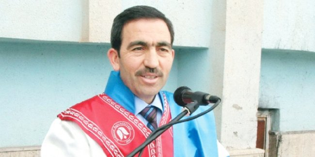 Hakkari'de öğrenci ve hocalar üniversiteyi terk etti