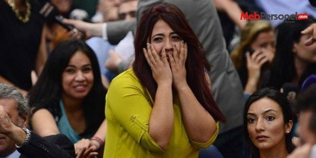 Atanan öğretmenler sevinç gözyaşları döktü