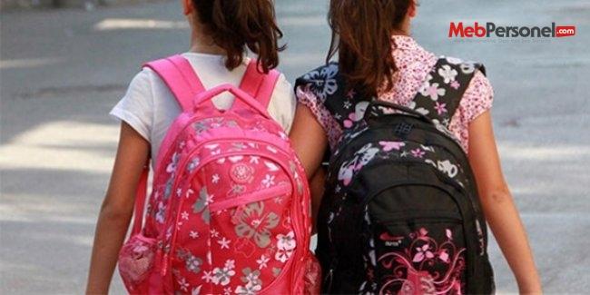 Okul çantası, çocuğun ağırlığının yüzde 10'unu geçmemeli