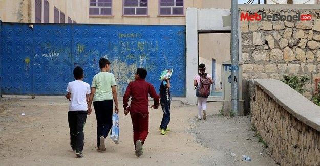 'Okulları boykot çağrısı' eğitime engel olamadı
