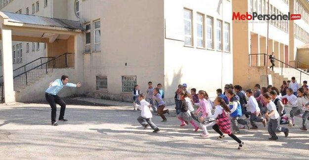 Okulun ilk günü serbest mi gidilecek 2015