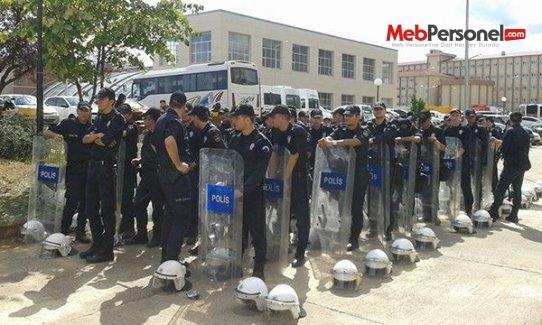 Üniversitede güvenlik polise emanet