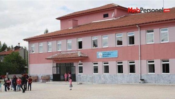 İlkokulda Atatürk büstü olmamasına tepki