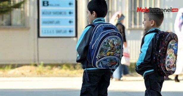 Okul çağındaki çocukların yüzde 70'i bel ağrısı çekiyor