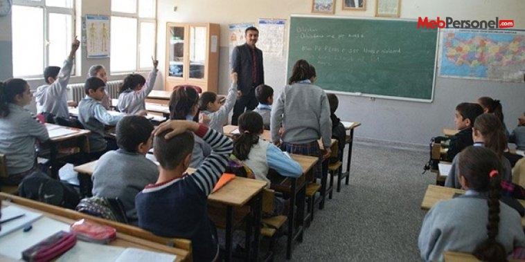 Ana dillerini okulda öğreniyorlar