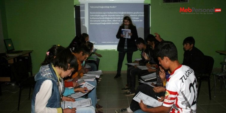 Köy okulunu özel okula çevirdi