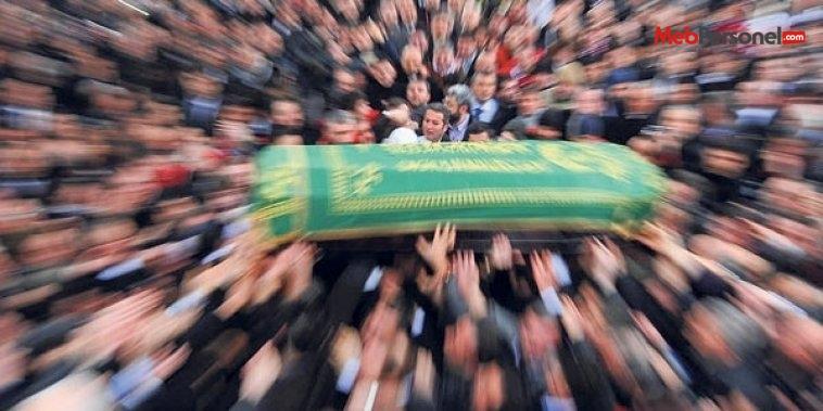 Trafik kazasında ölen öğretmenin cenazesi defnedildi