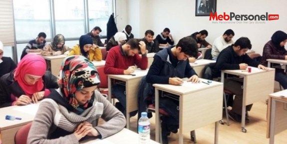Suriyeliler sınava ücretsiz girecek