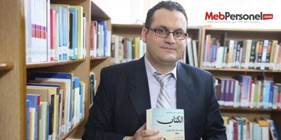 Suriyelilerin Türkçe öğrenmesi için kitap yazdı