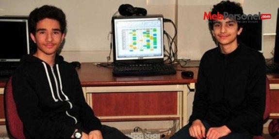 2 liseli'nin yaptığı yazılım Türkiye birincisi seçildi