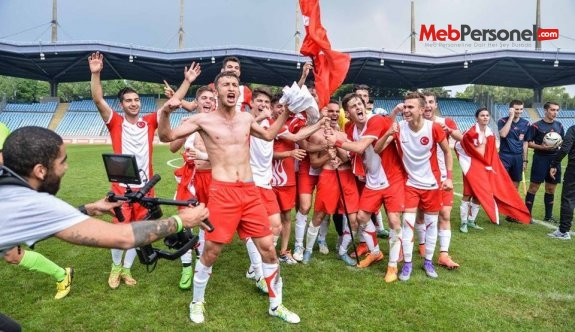 Avrupa Liselerarası Futbol Şampiyonasında Türk Takımı Şampiyon Oldu