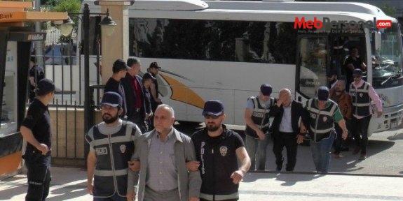 Kırklareli'de, 8 öğretmenden 3'ü tutuklandı.