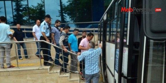 Adana'da FETÖ okulunda öğretmenlik yapan 19 kişi adliyeye sevk edildi