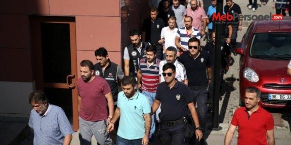 Düzce'de 1'i öğretim görevlisi, 15 memur tutuklandı