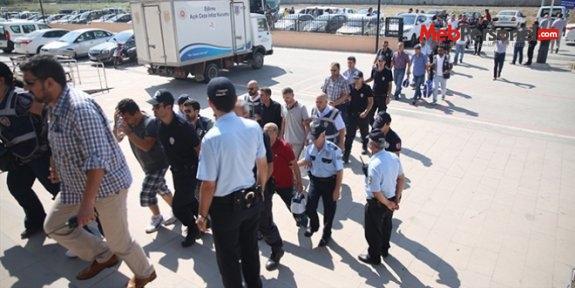 'Işık evleri'ne operasyon: 3 öğrenci tutuklandı