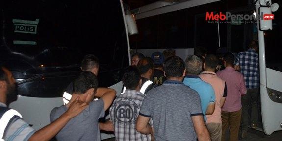 Kocaeli'de adliyeye sevk edilen 22 öğretmen tutuklandı