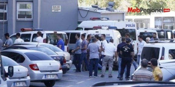 Manisa'da Adliyeye sevk edilen 2 öğretmen tutuklandı