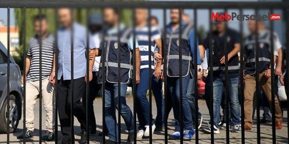 Muş'ta 5 öğretmen, 1 müfettiş, 2 memur gözaltına alındı