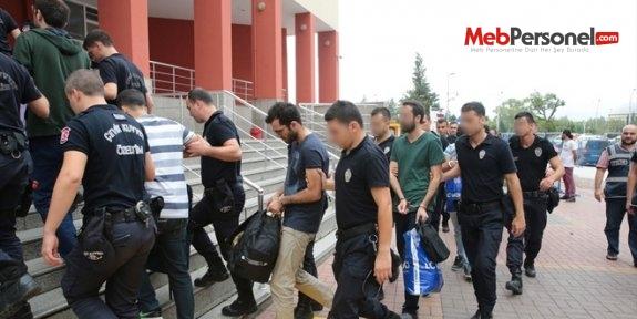 8 ilde FETÖ operasyonu: 36 memur gözaltına alındı
