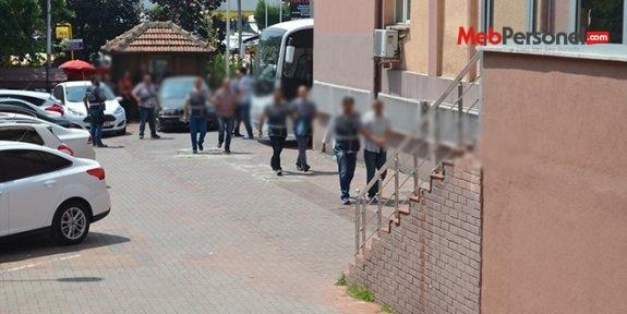 Afyonkarahisar'da adliyeye sevk edilen 5 memur tutuklandı