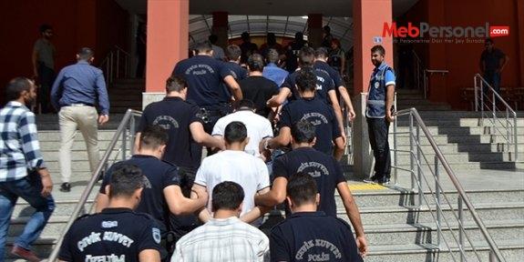 Erzurum'da 1 hakim ve 16 öğretmen tutuklandı