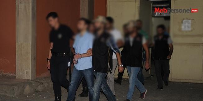 Eskişehir'de adliyeye sevk edilen 13 öğretmen tutuklandı