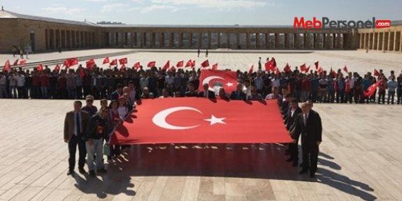 Okulları kapatılan askeri öğrencilerden Anıtkabir'e ziyaret