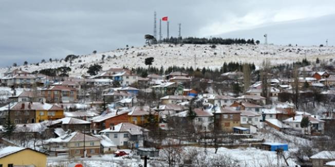 Eskişehir'e mevsimin ilk karı yağdı