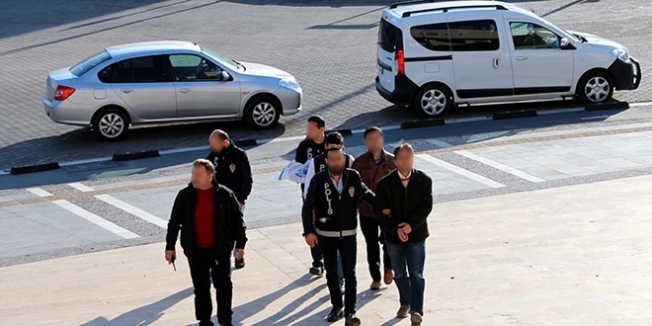 Gaziantep'te 3 avukat ve 1 öğretmen tutuklandı