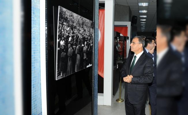 """""""Öğretmenim"""" resim sergisi, Kızılay Metro Sanat Galerisi'nde"""
