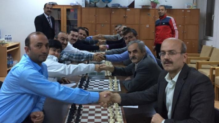 Öğretmenler Arası Satranç Turnuvası Düzenlendi
