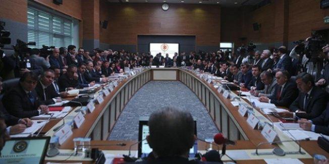 Anayasa teklifinin 3. maddesi Komisyon'da kabul edildi